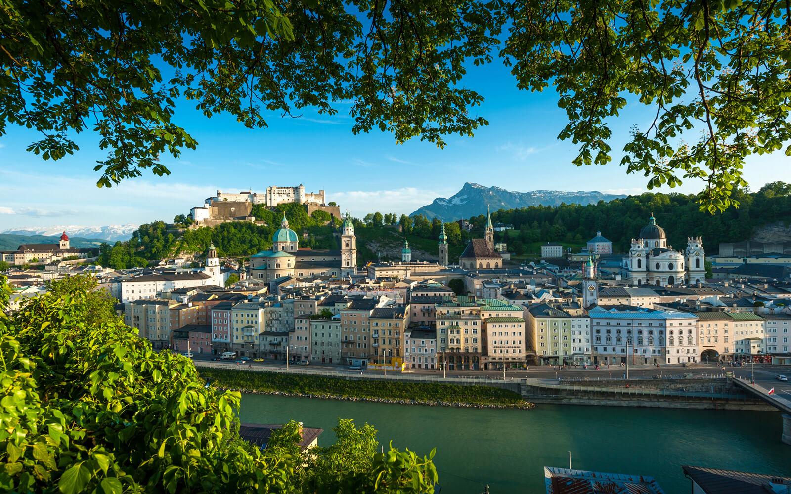 Stadt Salzburg, Blick auf die Festung Hohensalzburg, Ausflug, Stadt, Salzburg, Pflegerbrücke Salzburg