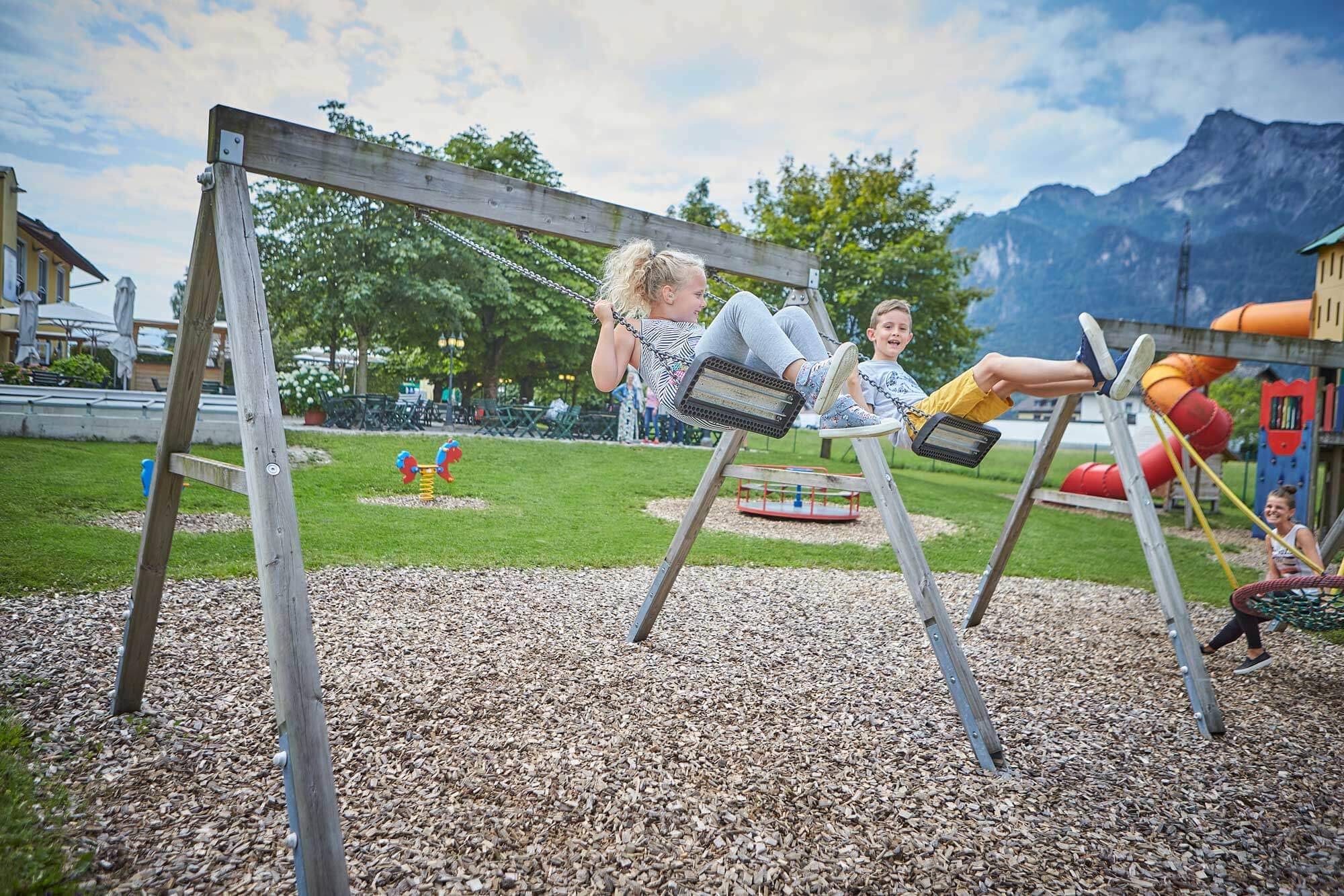 Kinderspielplatz-Gasthof-Pflegerbruecke-Salzburg