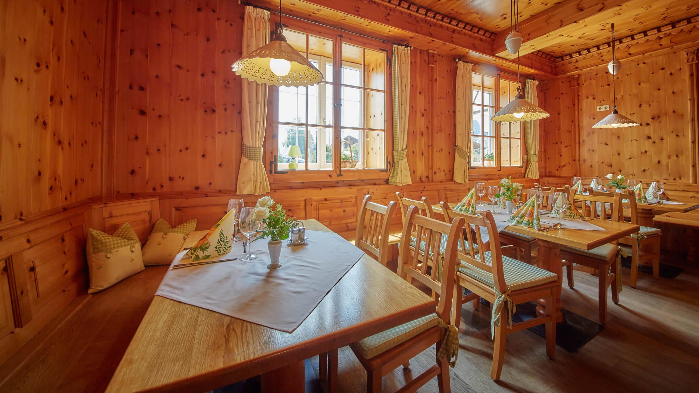 Die Zirbenstube im Gasthaus Pflegerbruecke in Groedig bei Salzburg